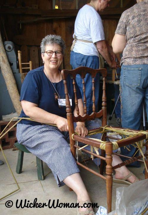 Peters-weaving-bulrush-seat-demo